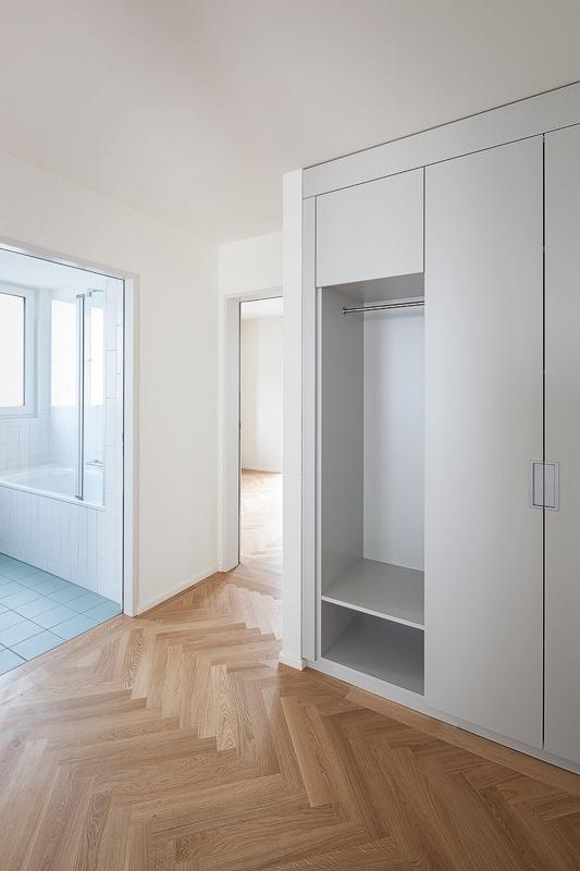 Nimbus Architekten Michael Bühler Lukas Schaffhuser Mehrfamilienhaus Zuerich Garderobe Entree
