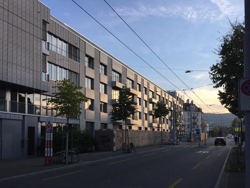 Nimbus Architekten Michael Bühler Lukas Schaffhuser Wohnsiedlung Herdernstrasse Abendlicht